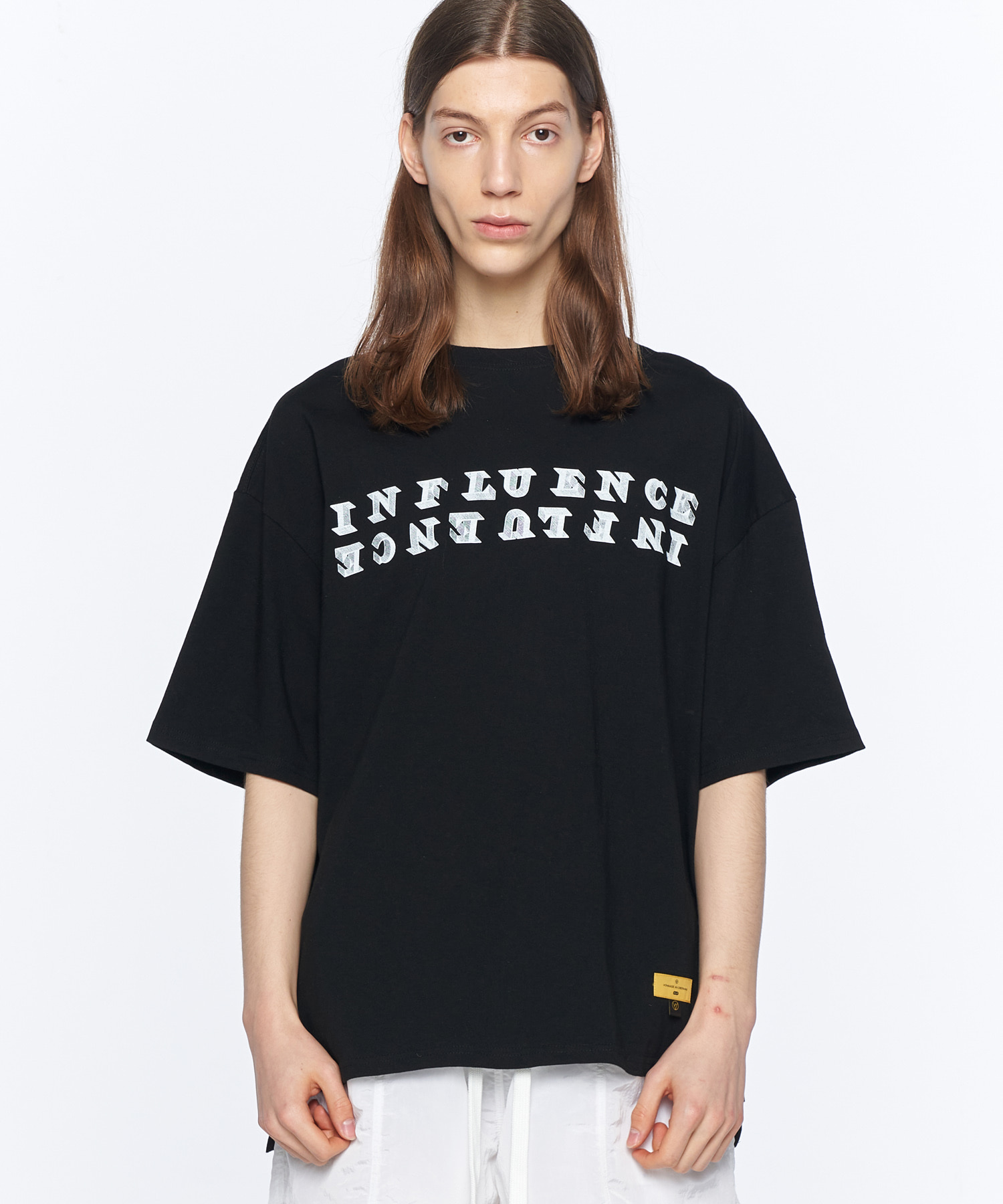 ESSAY. INFLUENCE BLACK T-SHIRTS