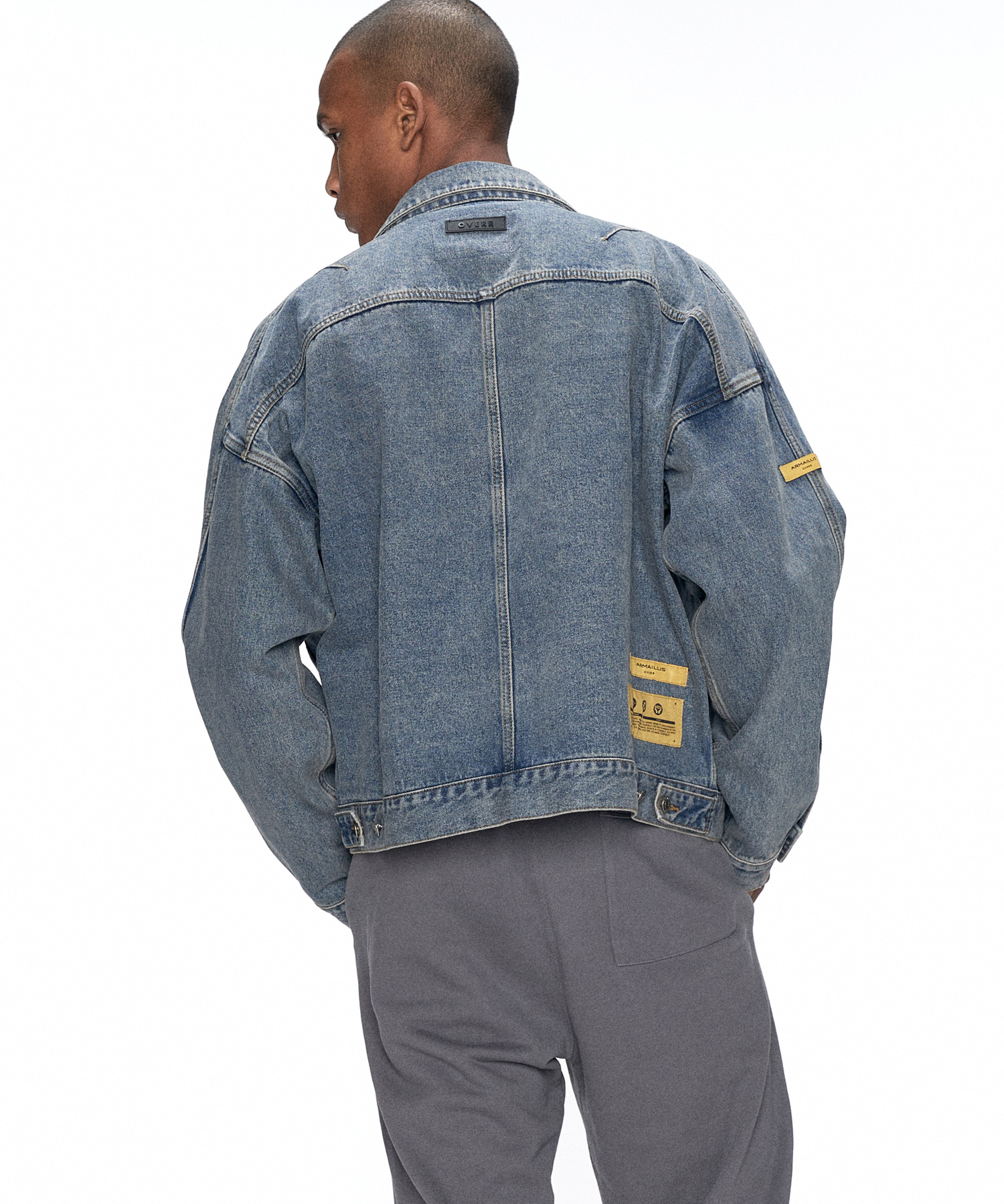ESSAY. LABEL WASHED DENIM JACKET